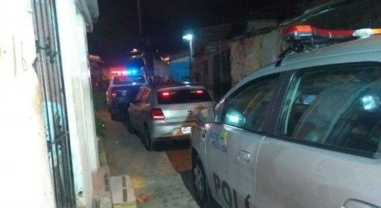 Jovem é morto com cerca de 30 tiros em Santo Amaro