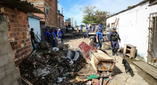 Prefeitura realiza reintegração de posse na comunidade do Pocotó