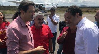 Fernando Haddad (PT) foi recebido pelo governador Paulo Câmara (PSB)