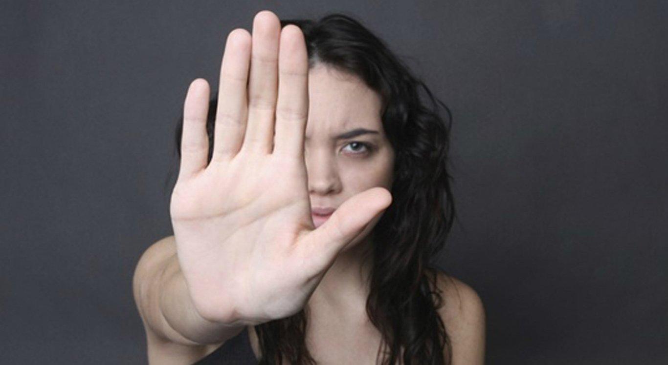 Resultado de imagem para Mulheres vítimas de violência têm prioridade na matrícula dos filhos