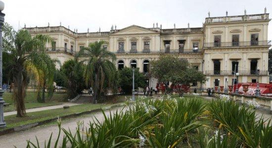 Defesa Civil descarta risco de desabamento do prédio do Museu Nacional