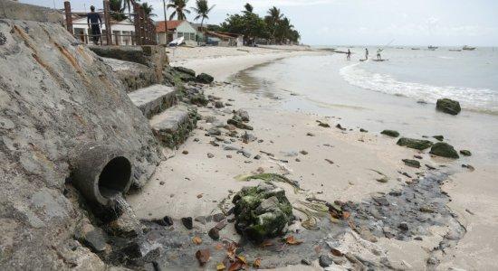 No Litoral Sul, donos de áreas particulares cobram até R$ 100 para dar acesso à praia
