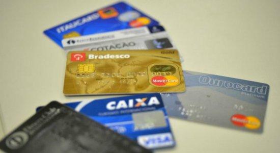 Juros do rotativo do cartão de crédito sobem para 274% ao ano