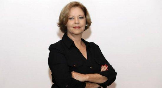 Nem os analistas de pesquisa conseguem antecipar o que vai acontecer após a facada contra Bolsonaro, afirma Eliane Cantanhêde