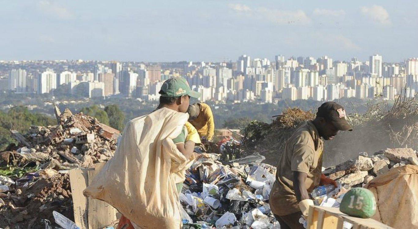 Levantamento aponta que lixões continuam a crescer no Brasil