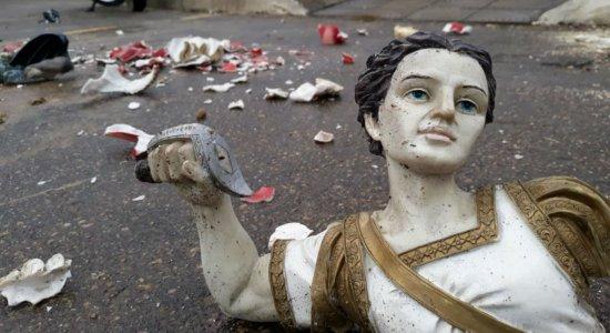 Descontrolado, homem destrói imagem de São Miguel em Barreiros