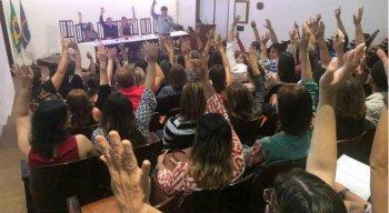 Médicos da rede municipal deflagraram greve