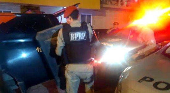 Grupo é detido antes de explodir caixas eletrônicos em Porto de Galinhas