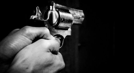 Em seis meses, 745 tiroteios deixaram 571 mortos na RMR