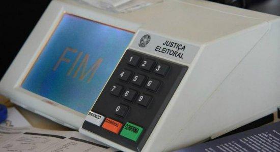 Diretor-geral do TRE-PE pede que eleitor não use álcool nas urnas para evitar danos