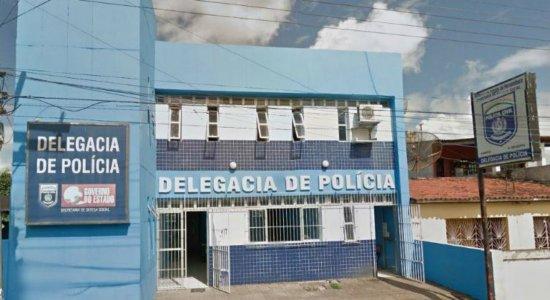 Mulher furta celular de médica durante consulta em Nazaré da Mata