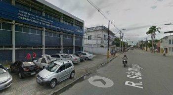 Os suspeitos foram encaminhados à Delegacia de Polícia de Roubos e Furtos de Cargas, localizada no bairro de Afogados