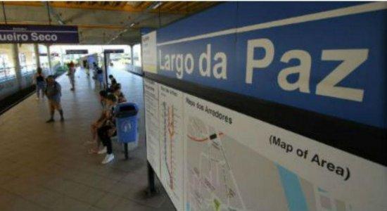 Vídeo mostra mulher sendo arrastada por trem no metrô do Recife