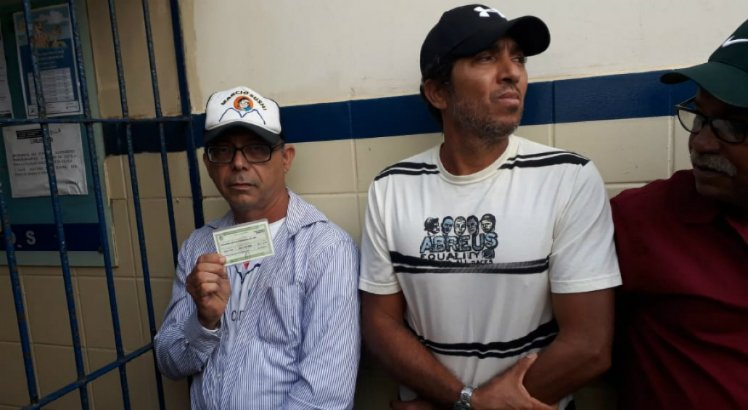 Primeiro voto do Brasil é de taxista pernambucano