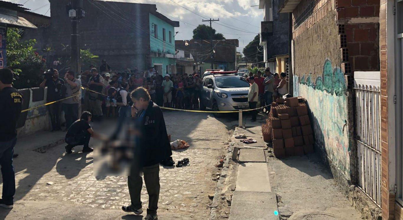 Homem é morto com mais de 10 tiros na cabeça na Zona Oeste do Recife