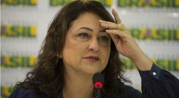 Proposta de Kátia Abreu se baseia no artigo 77 da constituição federal