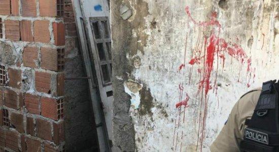Jovem é assassinado a tiros na Macaxeira