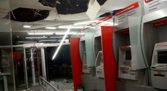 Agências bancárias são assaltadas em Santa Cruz do Capibaribe