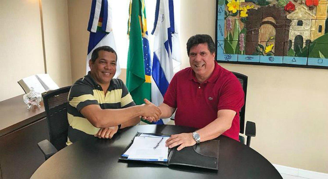 Vice do Cabo, Keko do Armazém, assume prefeitura após prisão de Lula Cabral