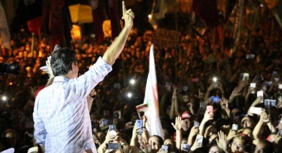 Em ato no Recife, Haddad critica ausência de Bolsonaro nos debates