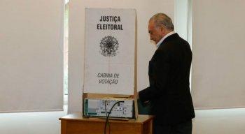 O presidente Michel Temer vota no 2º turno