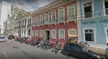 Agência do Trabalho localizada na Rua da Aurora, na área central do Recife
