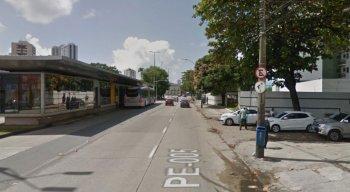 O crime ocorreu por volta das 19h, no bairro da Madalena