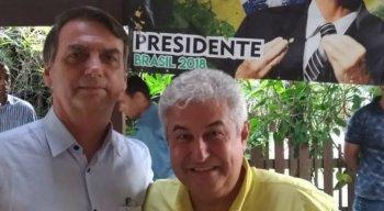 Marcos Pontes ao lado de Jair Bolsonaro