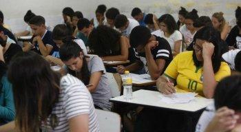 Estudantes realizaram provas de ciências humanas e linguagens