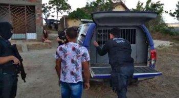 Os presos estão sendo encaminhados para a Delegacia de Limoeiro