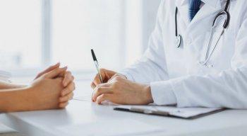 Especialistas orientam que os pacientes busquem sempre informações oficiais
