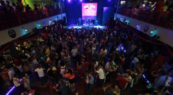 Público lota o Clube Carnavalesco Misto das Pás na festa dos 70 anos da Rádio Jornal