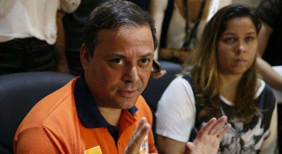 Deslizamento de rocha em Niterói era difícil de prever, diz prefeito