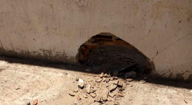 Apesar do susto, o buraco aberto não foi suficiente para que os detentos conseguissem fugir