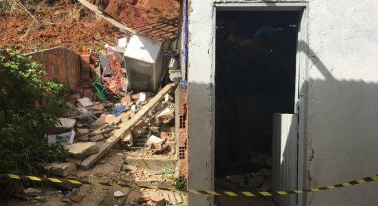 Moradores de Dois Unidos dizem que deslizamento de barreira foi negligência