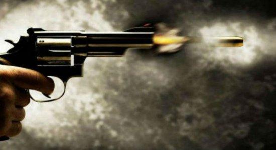 Homem é morto a tiros dentro de casa em Olinda