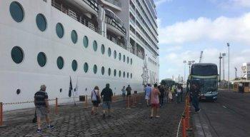 Turistas europeus chegaram ao Recife na abertura da temporada de cruzeiros