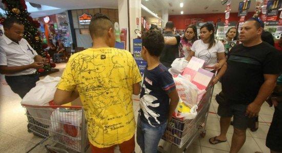 Shoppings têm horários ampliados na Black Friday em Pernambuco; confira