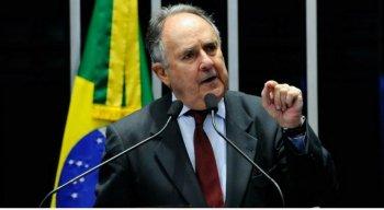 Senador comentou sobre posicionamento de futuro governo sobre educação no Brasil