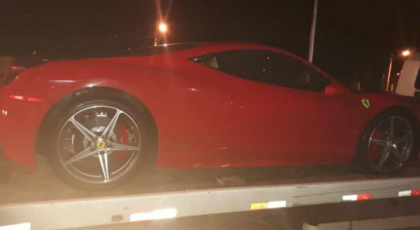 Ferrari vermelha é apreendida em Petrolina, no Sertão