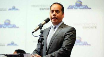 Ministro do Esporte Leandro Cruz durante plenária.