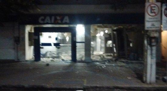 Agência da Caixa Econômica é alvo de explosão em Carpina
