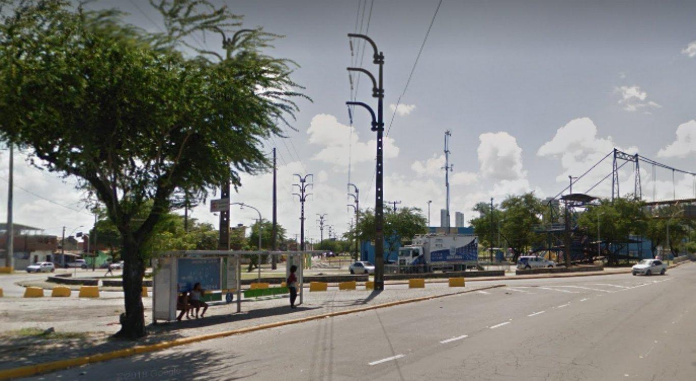 Passageiros de ônibus são assaltados na Ilha de Joana Bezerra