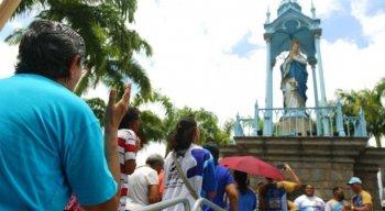 Quatro missas e uma vigília são celebradas ao longo dia no Santuário, no Morro da Conceição, em casa Amarela, Zona Norte do Recife