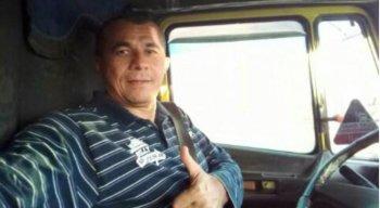 De acordo com o delegado Luciano Bastos, o caminhoneiro foi liberado em uma área de mata