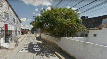 O crime foi por volta das 14h30 desta quinta-feira (6), na Rua João Sales de Menezes