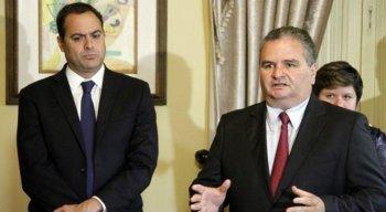 O governador de Pernambuco e o secretário de Saúde do Estado, José Iran Costa Júnior