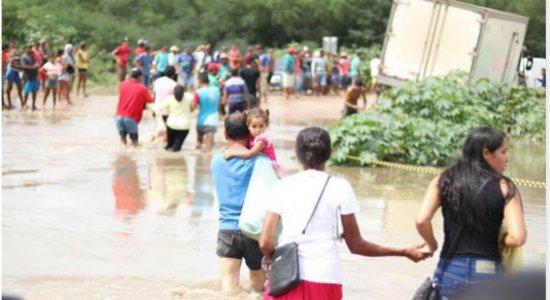 Chuvas provocam interdição de principal desvio que dá acesso à PE-545, em Bodocó