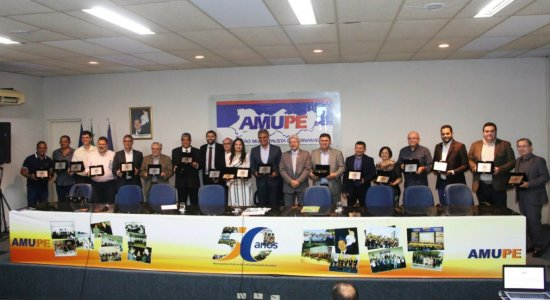Prefeito de Limoeiro destaca ações que levaram o município a conquistar prêmio de melhor gestão de recursos públicos
