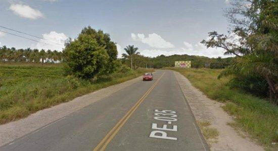 Motoristas ficam feridos após colisão em Itamaracá